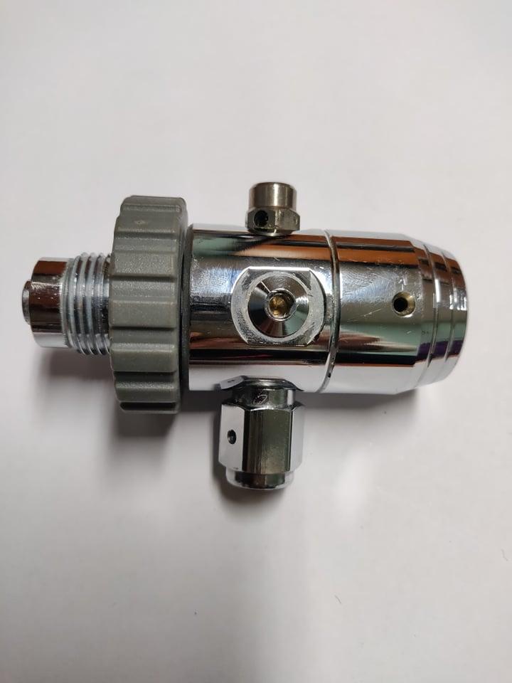 Водолазен регулатор първа степен с манометър и клапан за свръх налягане OMS DIN – OMS
